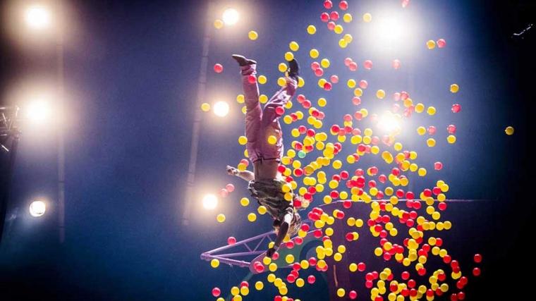Super Sunday Circus @ 18:45