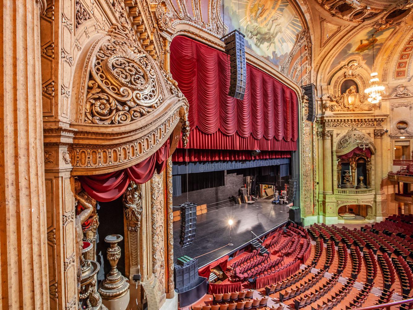 Chicago Theatre Tour