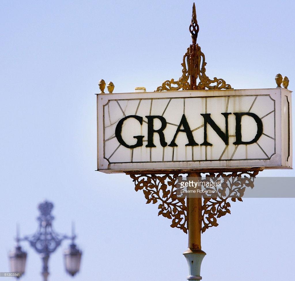 Grand Hotel Tour